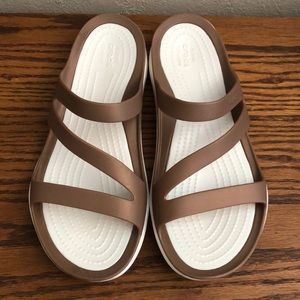 LIKE NEW! Crocs swiftwater sandals